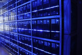 Recovering heat from data centres